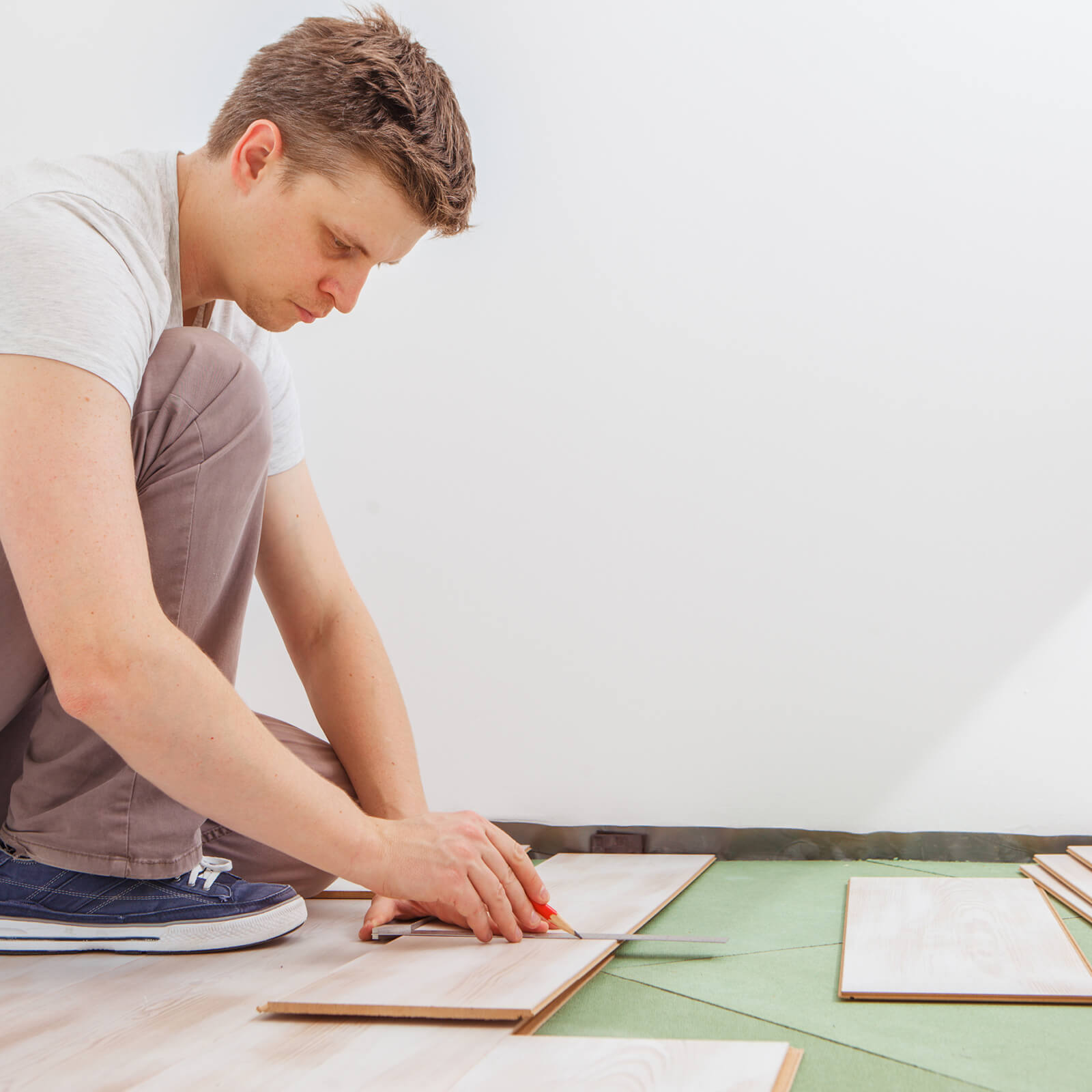 Installing luxury vinyl plank flooring in Evans, GA | Kirkland's Flooring